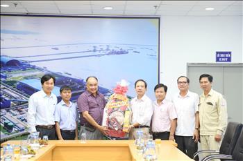 Phó Chủ tịch UBND tỉnh Trà Vinh đến thăm và chúc tết Công ty Nhiệt điện Duyên Hải